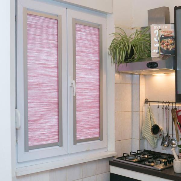 prozorsko sjenilo u kuhinji